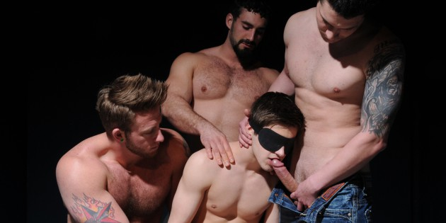 Four Play: Double-Penetration At Happy Hour