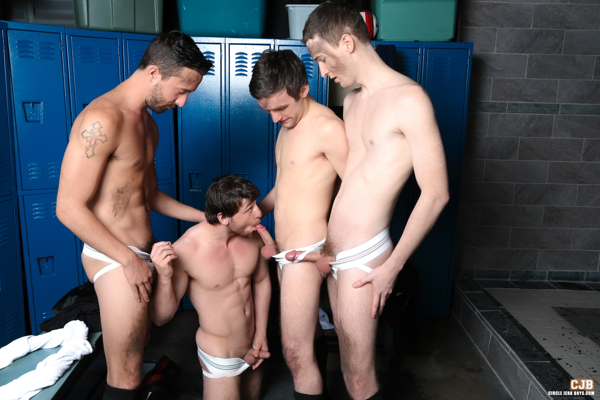 H boy locker room pissing and fucking