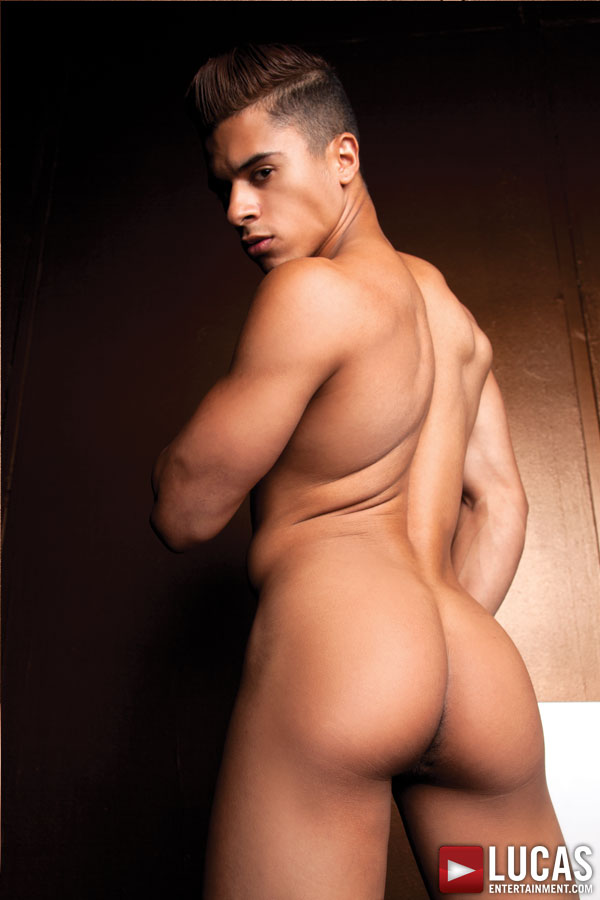 manhunt daily   everything butt is armond rizzo 2014 s hottest cock
