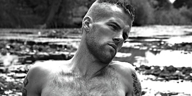 Manhunt Daily Wood: Adam Coussins Is Naked Again, Remains Hot