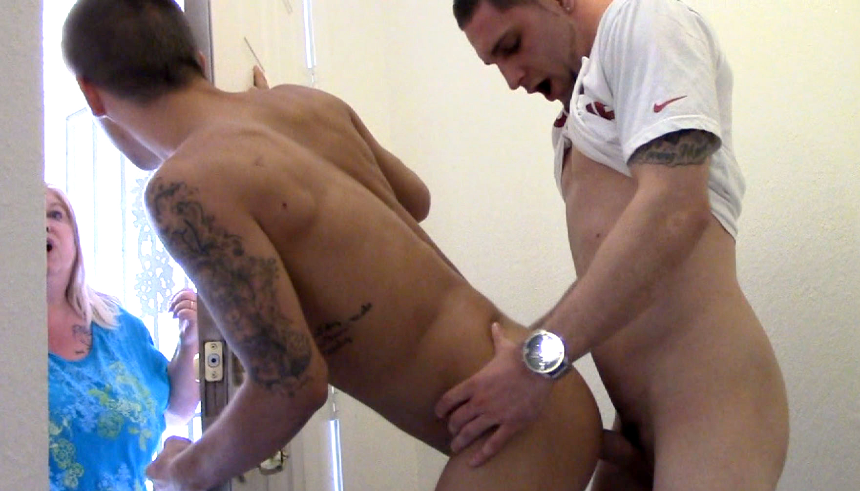 Trent Ferris answers the door during a gay bareback orgy on porn site Sketchy Sex