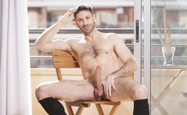 Cock-A-Doodle Do Me: Craig Daniel Takes Control Of That Hole