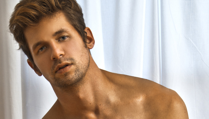 Hot male models naked on photography site The Male Form