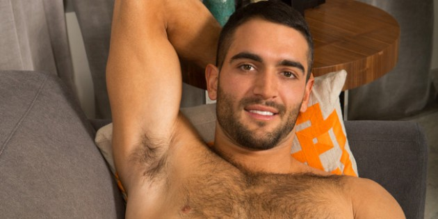 Quickie: Fuzzy Muscle Jock Kelvin Makes His Sean Cody Debut